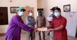 নীলফামারীতে ২৫জন অস্বচ্ছল সংস্কৃতিকর্মীকে সহায়তা প্রদান