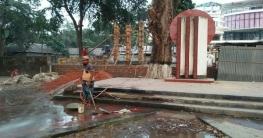 লালমনিরহাটে এবার শহীদ মিনারের নির্মাণকাজ বন্ধের নির্দেশ