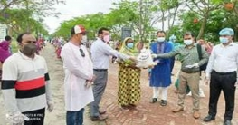 বেরোবিতে ৩২০ কর্মহীন পরিবারের মাঝে খাদ্য সহায়তা প্রদান