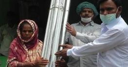 রংপুরের মিঠাপুকুরে ঝড়ে ক্ষতিগ্রস্থদের মাঝে ঢেউটিনবিতরণ