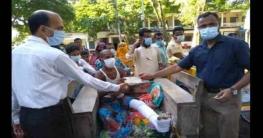 পাটগ্রামে সড়ক দুর্ঘটনায় আহতদের আর্থিক সহায়তা প্রদান