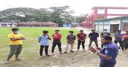 স্বাস্থ্য সুরক্ষায় রাজীবপুরে শিক্ষার্থীদের কাউন্সেলিং করছে পুলিশ