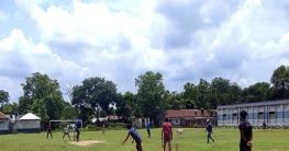 খানসামায় দুটি এসএসসি ব্যাচের মধ্যে প্রীতি ক্রিকেট টুর্নামেন্ট